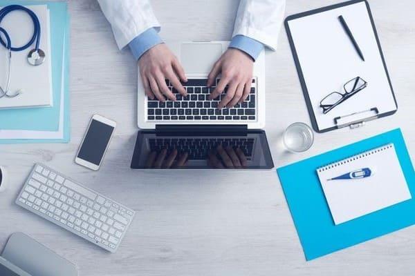 Рабочий стол врача