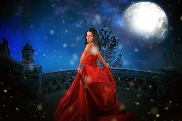 Леди в красном и луна