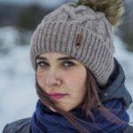 Леди в шапке зимой
