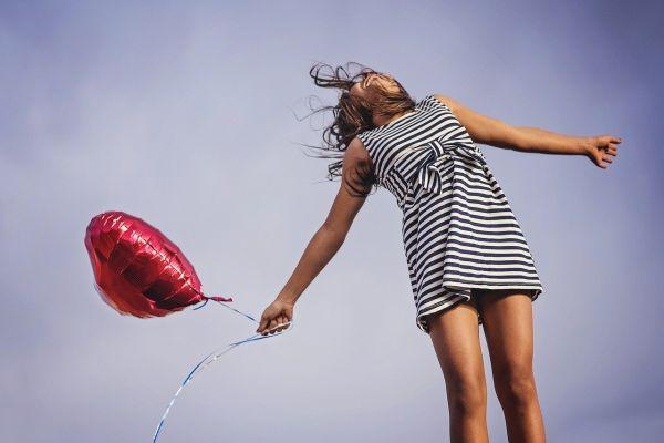 Женщина с воздушным шаром