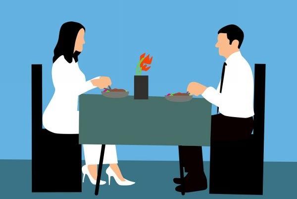 Разговор за столом